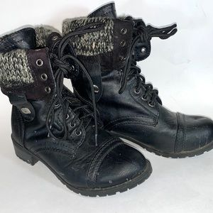 Soda Boots Size 5.5 Womens